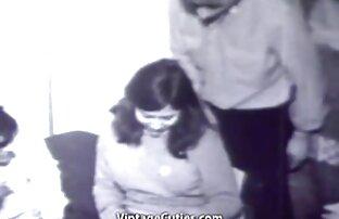 Ägaren lespisk sex film träffade en röd hårflicka i strumpor