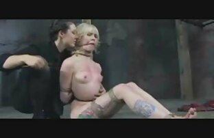 Avsugning för blond i munnen lesbisk amatör porr