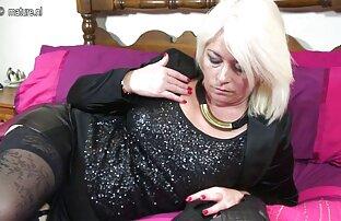 Kvinna lesbiskporrfilm intim smekning